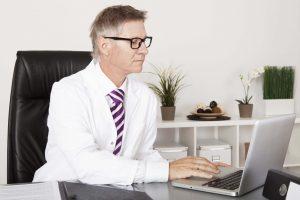 medical software user - man